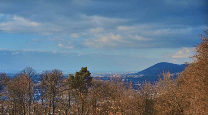 Ehrenfriedhof Heidelberg – Blick über das Rhein-Neckar-Delta